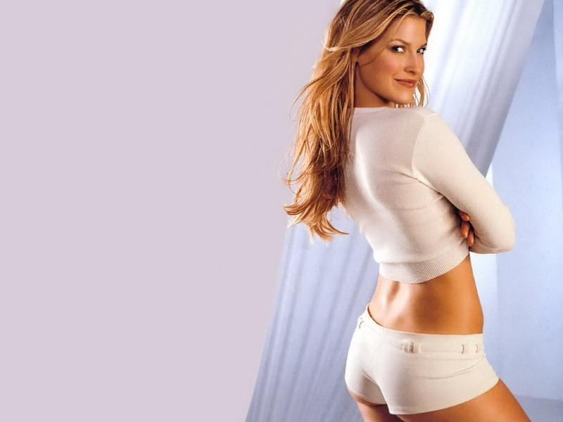 Ali Larter In Sexy Fashion Model Photoshoot Desktop Wallpapers Photos