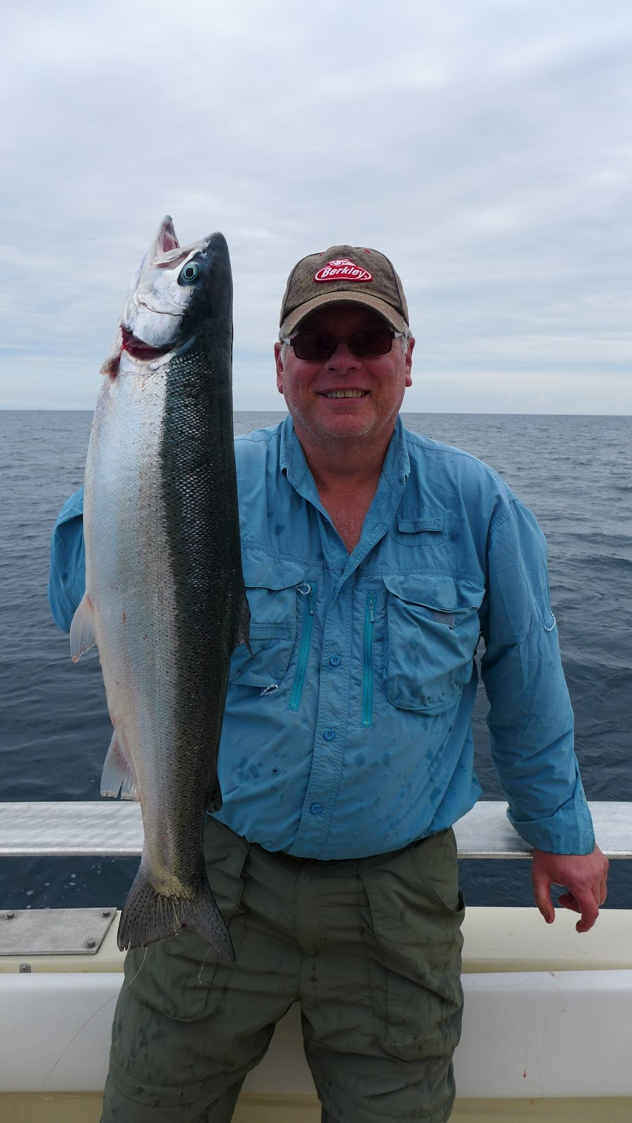 The fishing news steelhead action in algoma wisconsin for Algoma fishing charters
