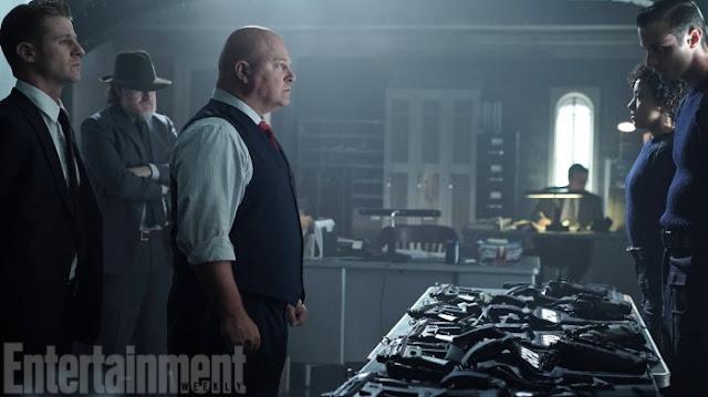 Gotham: première image avec Michael Chiklis dans la saison 2