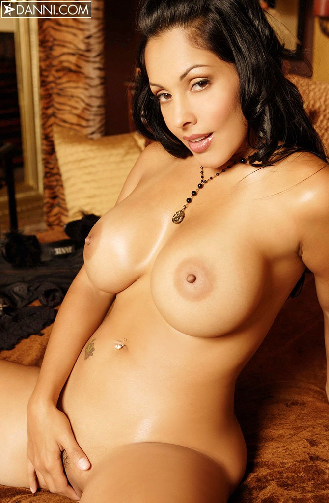 hot tv celebrities naked