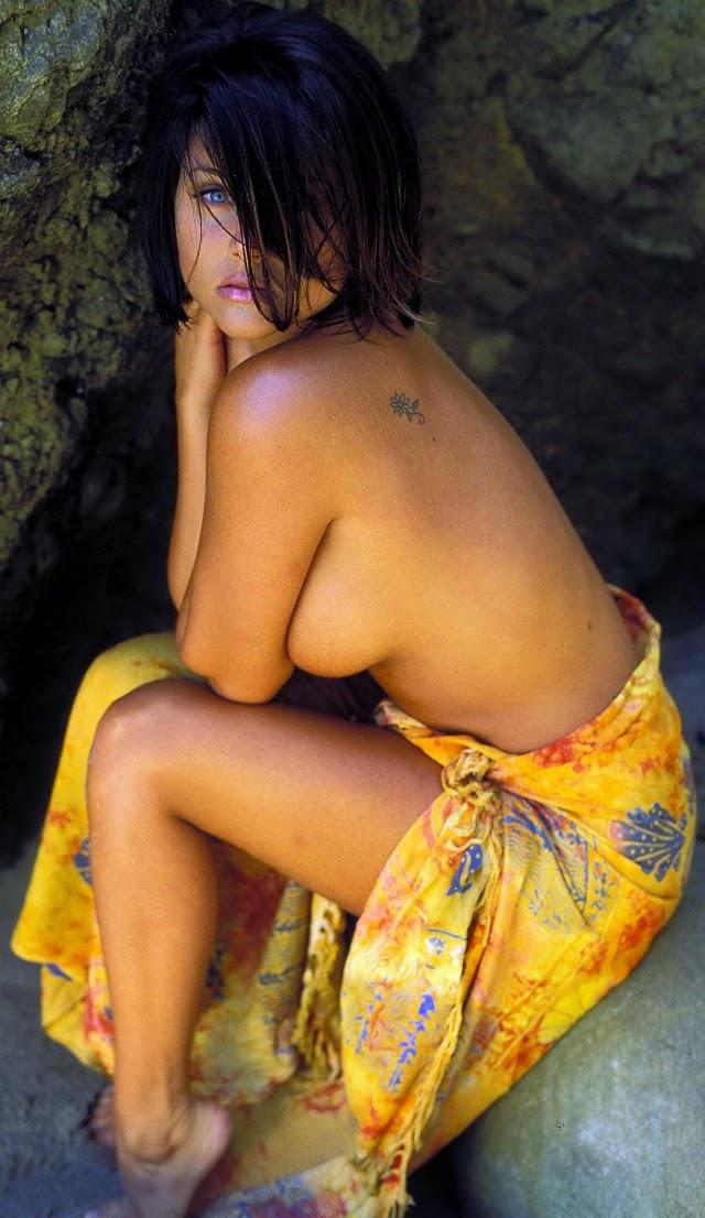 Tiffani Amber Thiessen fotos para coleccionar