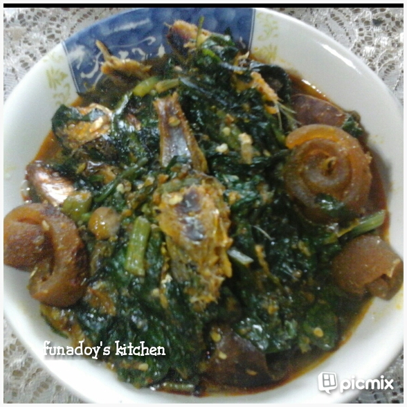 Funadoys kitchen healthy efo riro nigerian vegetable i am a trained biochemist from the prestigious great ife obafemi awolowo university ile ife nigeria afterall forumfinder Image collections