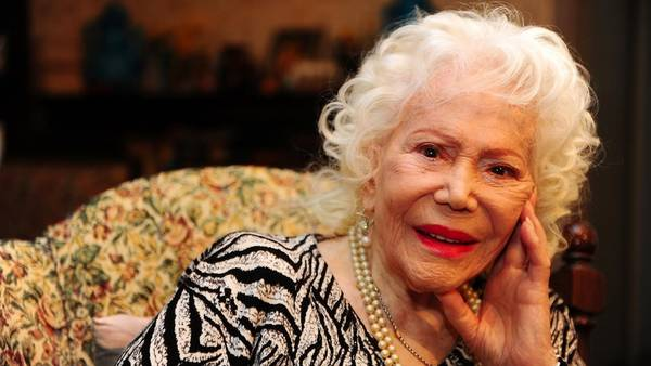 * A los 101 años, Falleció la actriz Elena Lucena