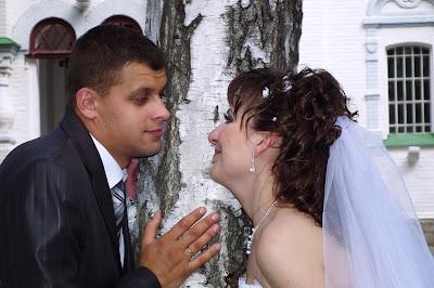Свадебное фото - смотреть друг на друга искренними глазами