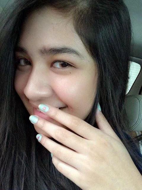 Foto selfie Mikha Tambayong