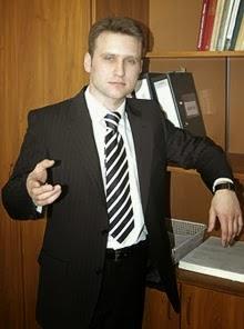 Заместитель Морозова Матвеев был задержан с поличным при получении взятки