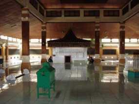 Komplek Troloyo Mojokerto
