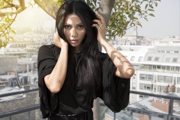 Anggun adalah satu-satunya artis indonesia sekaligus artis yang