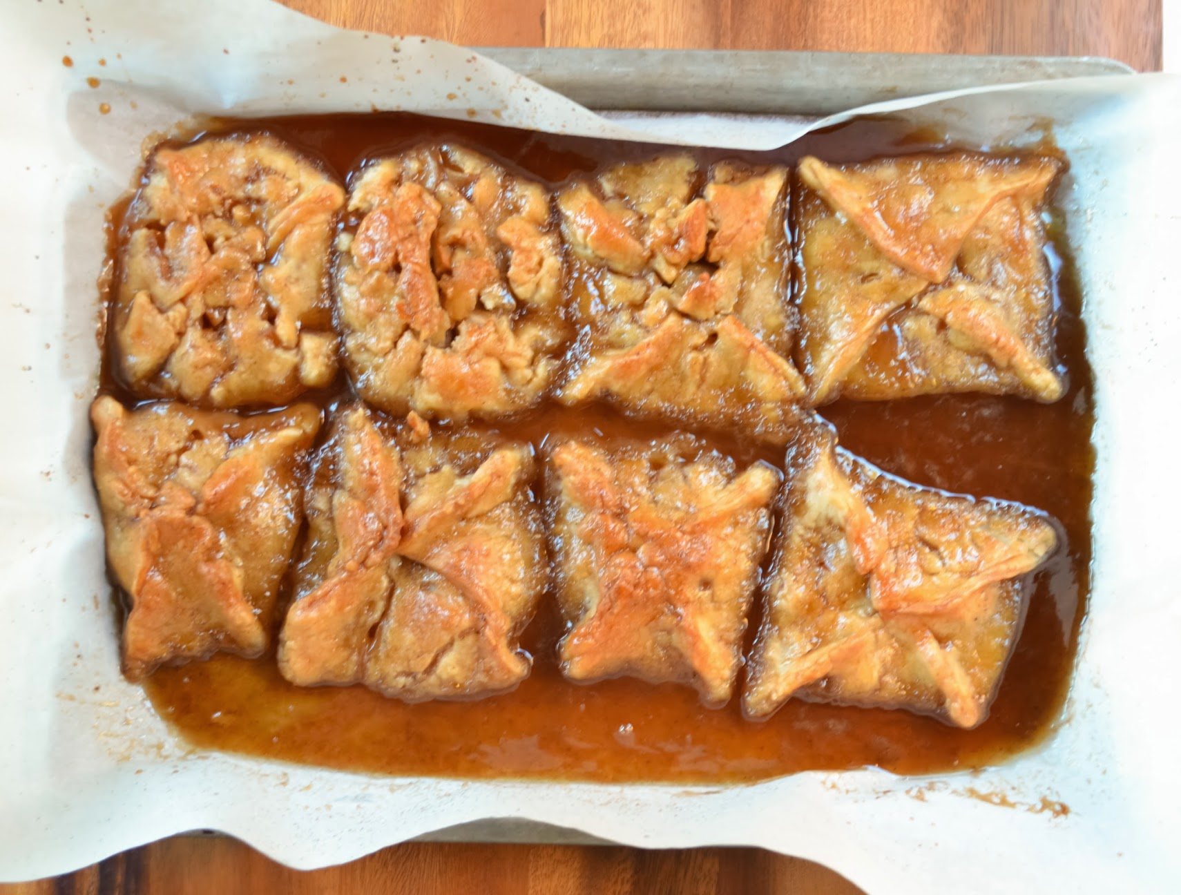 Apple-Dumplings-In-Caramel-Cinnamon-Syrup-Cool.jpg