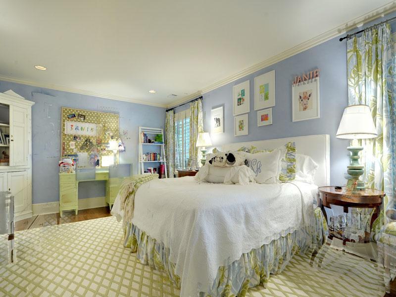Trisha troutz atlanta interiors children 39 s rooms - Bedrooms in blue and white ...