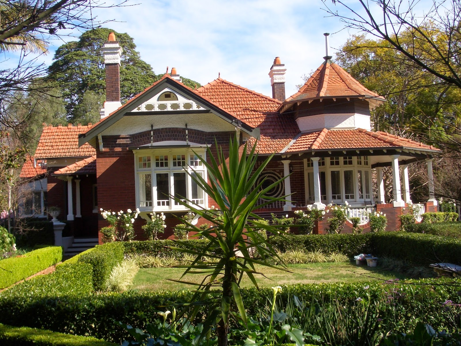 Tips Desain Rumah Klasik Bergaya Victorian