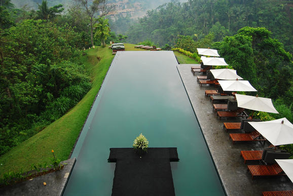 The world in images most amazing swimming pools for Most amazing swimming pools in the world
