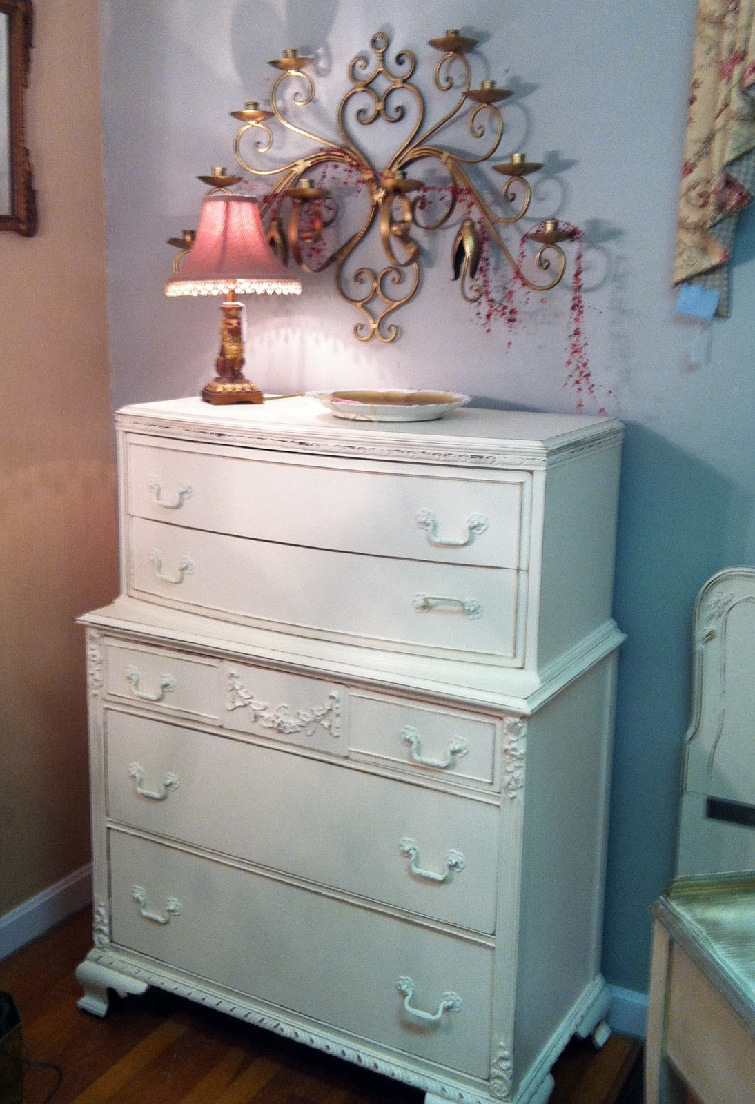 stunning shabby chic cottage bedroom set