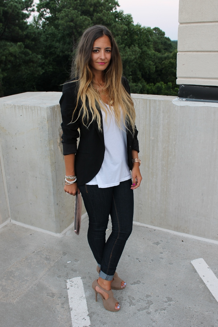 Cool 20 Chic Velvet Outfit Ideas For Women  Styles Weekly