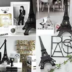 Eiffeltorn i olika storlekar och färger