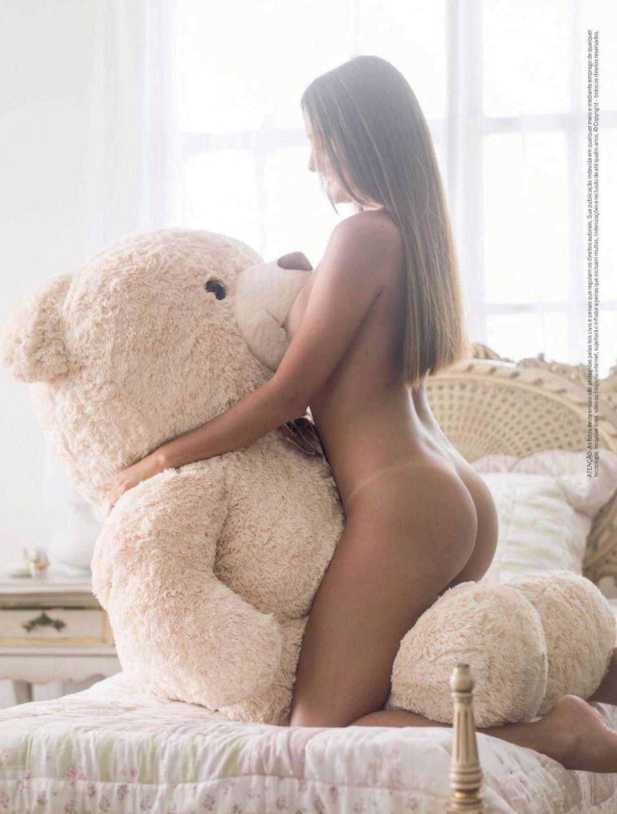 Que Leiloou A Virgindade Posa Ar Inocente Em Foto Da Playboy