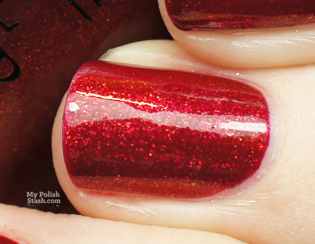 opi red fingers and mistletoes swatch