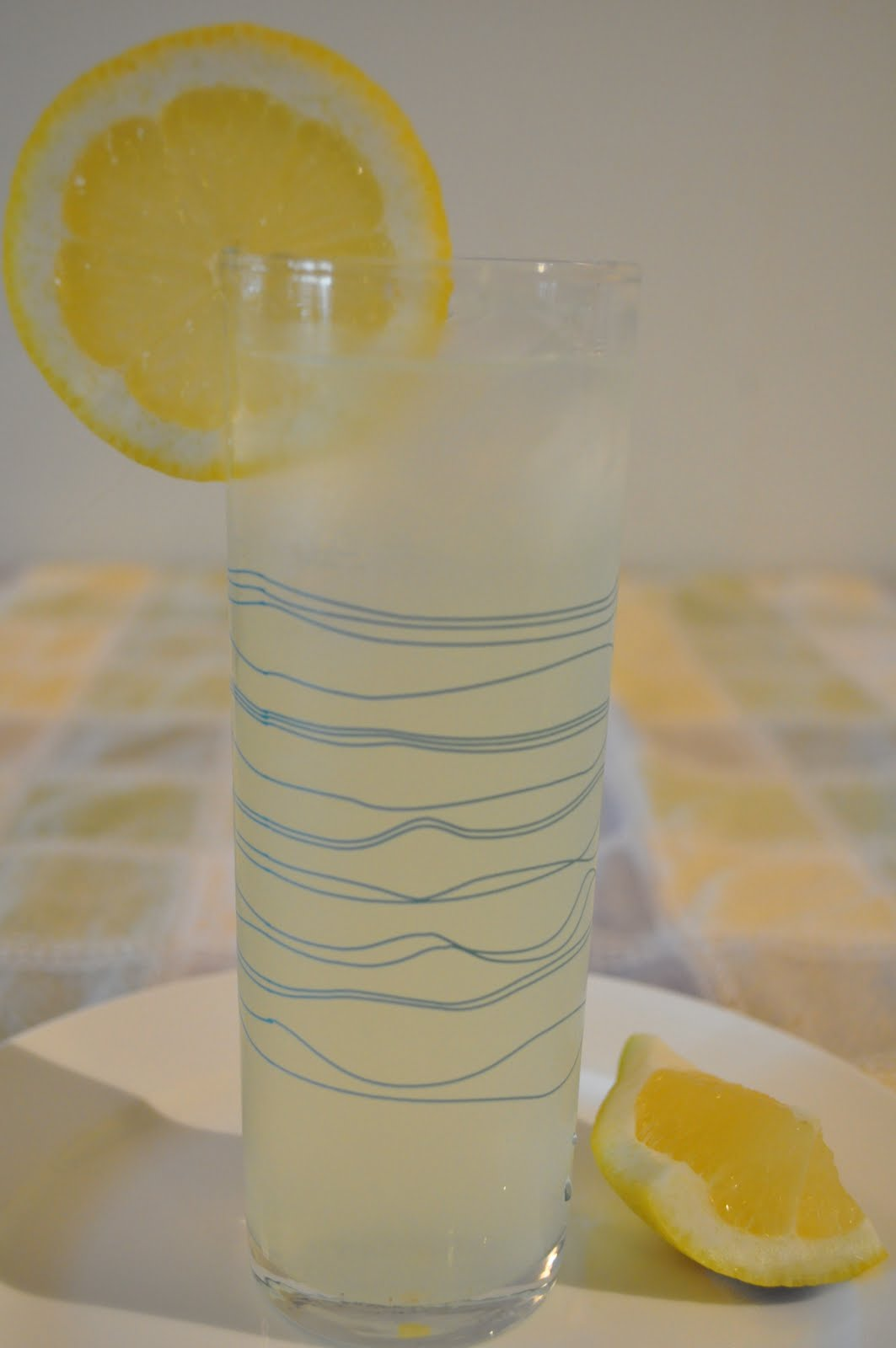 how to make homemade lemonade with fresh lemons