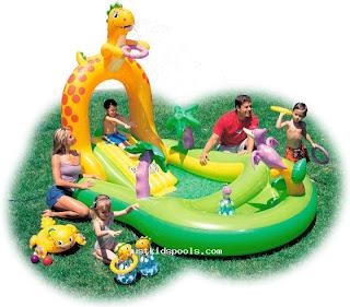 Piscinas infantil com escorregador
