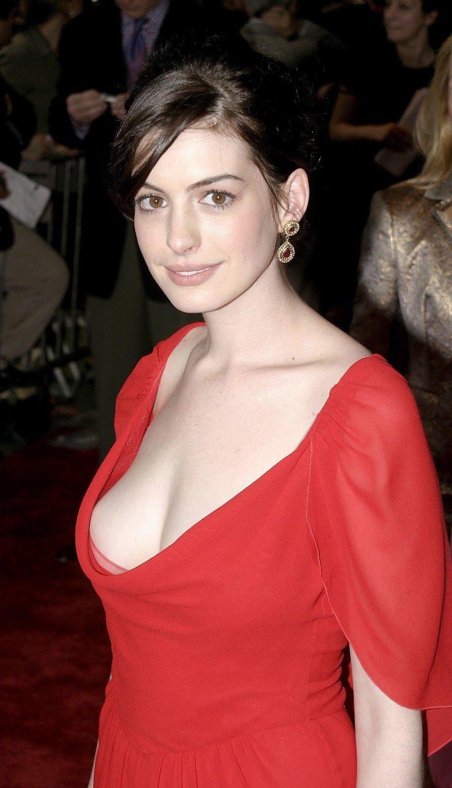Sideboobs Exposed Celebrity Anne Hathaway