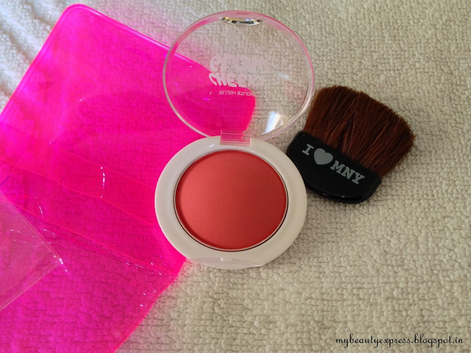Maybelline Cheeky Glow Blush in Fresh Coral - Review, Swatches, Photos