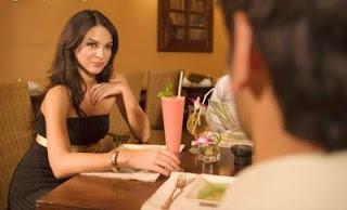 cara membuat wanita terkesan