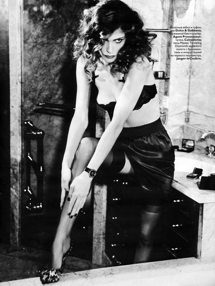 Elisa Sednaoui in Vogue Russia December 2010 (photography: Ellen von Unwerth, styling: Ekaterina Mukhina)
