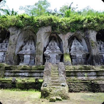 Makam Eyang Jugo dan Eyang Sujo