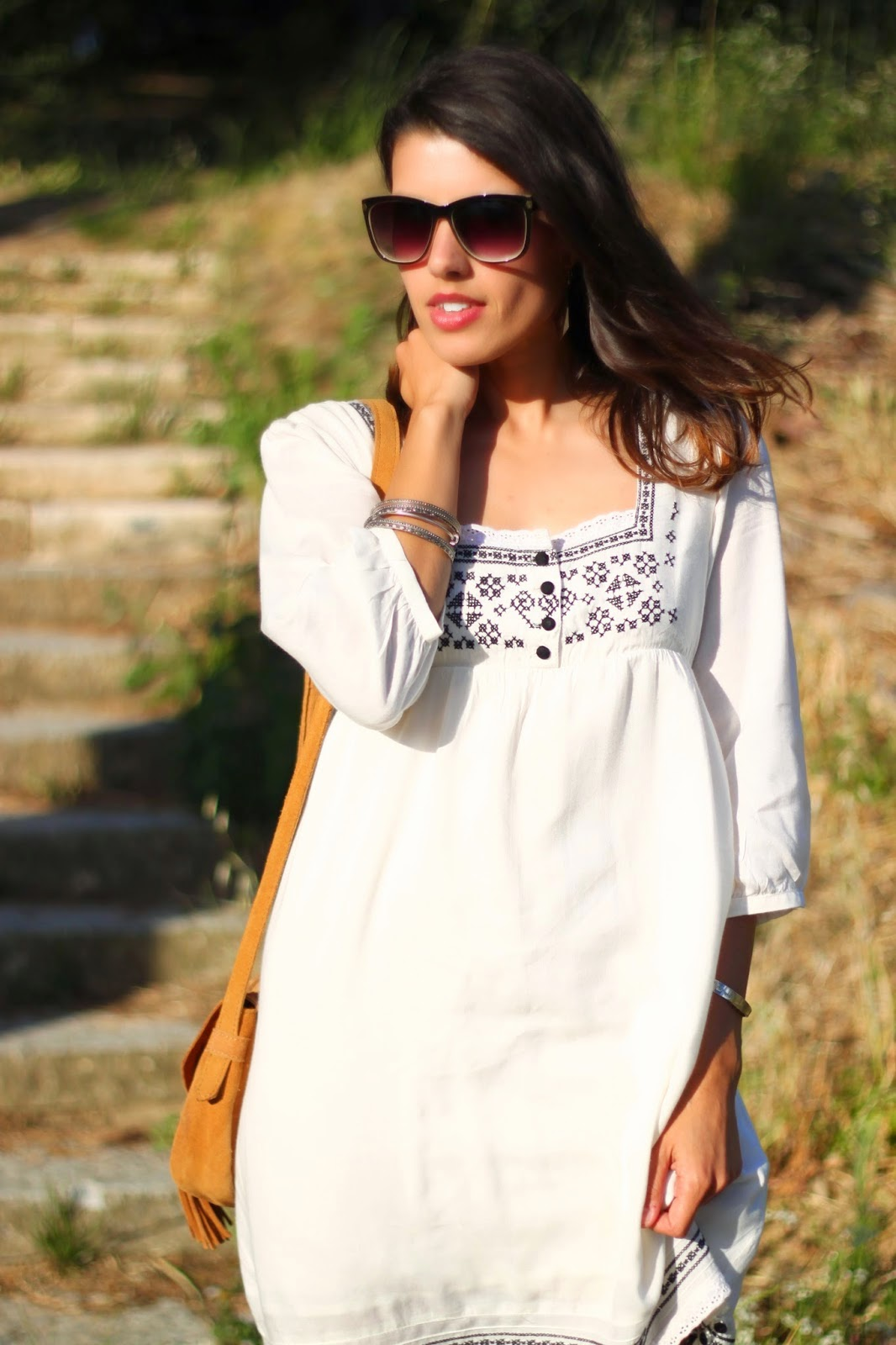 http://ilovefitametrica.blogspot.pt/2014/07/embroidered-dress.html