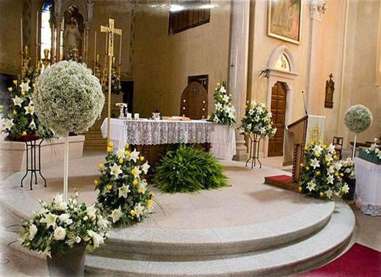 Church decorating ideas decorating ideas for Altar wedding decoration