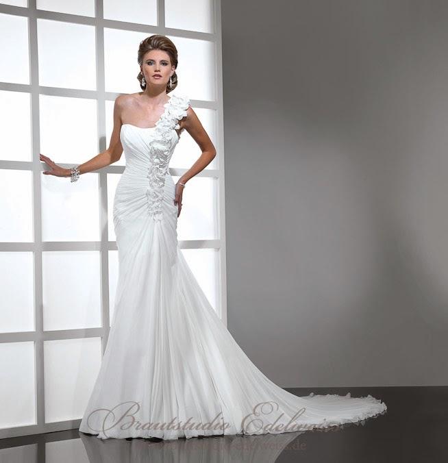Griechische Göttin Brautkleid, Chiffon. Leichtes schlichtes Brautkleid.