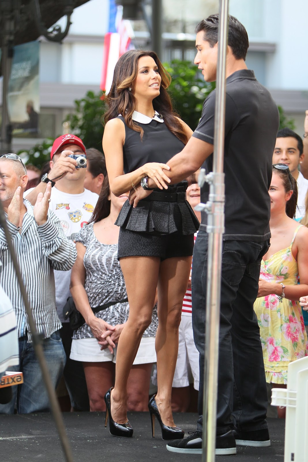 63681_Eva_​Longoria_a​t_Extra_at​_The_Grove​_in_LA_Sep​tember_11_​2012_14_12​2_13lo