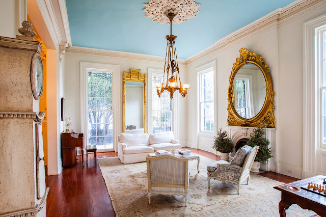 Bright living room in the Captain's House in New Orleans