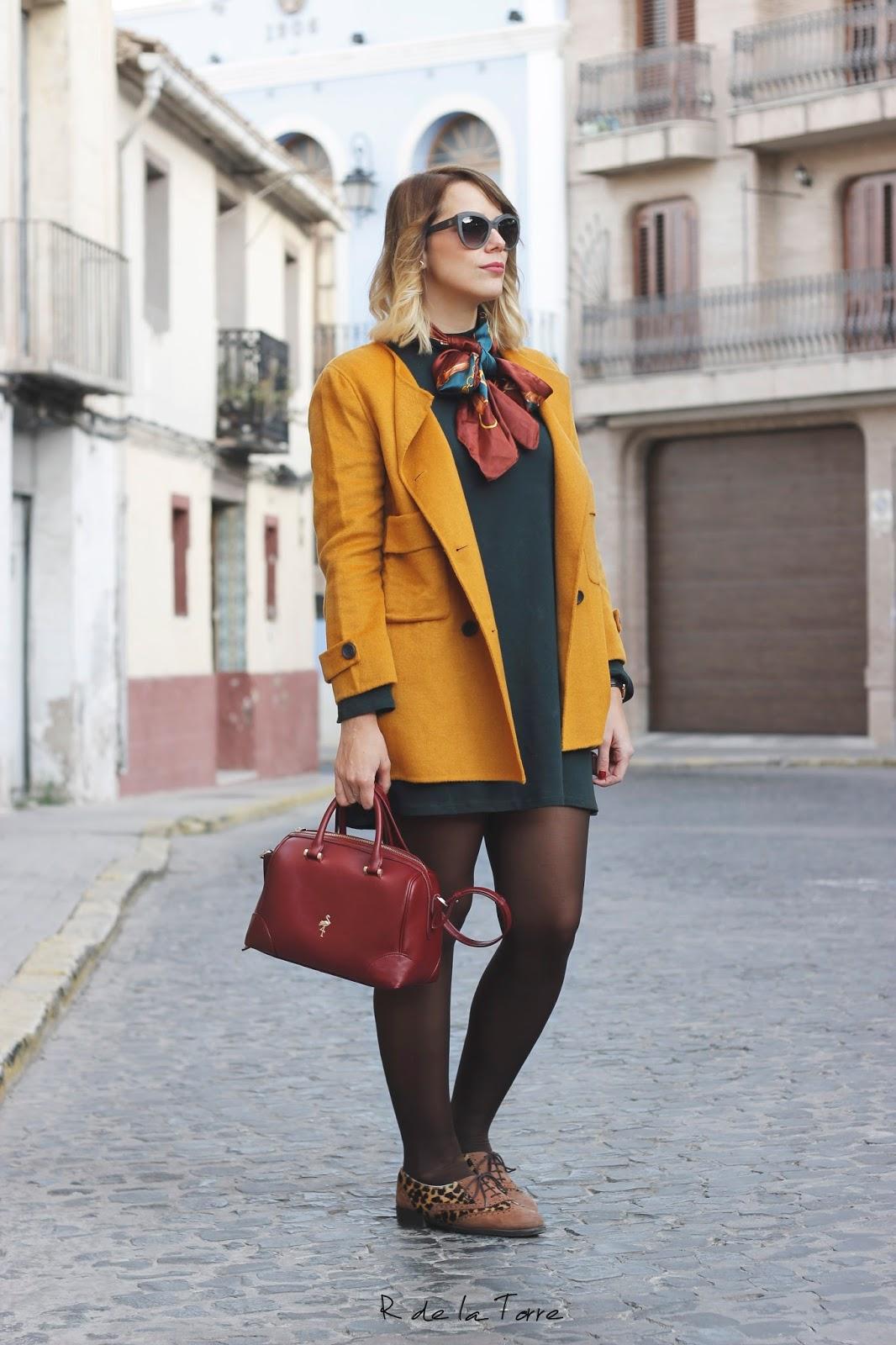 Looks con abrigo mostaza