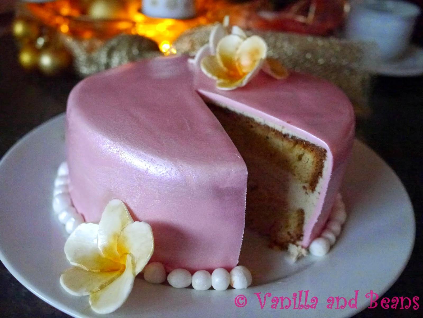 Zimt-Karamel-Torte mit Frangipanis