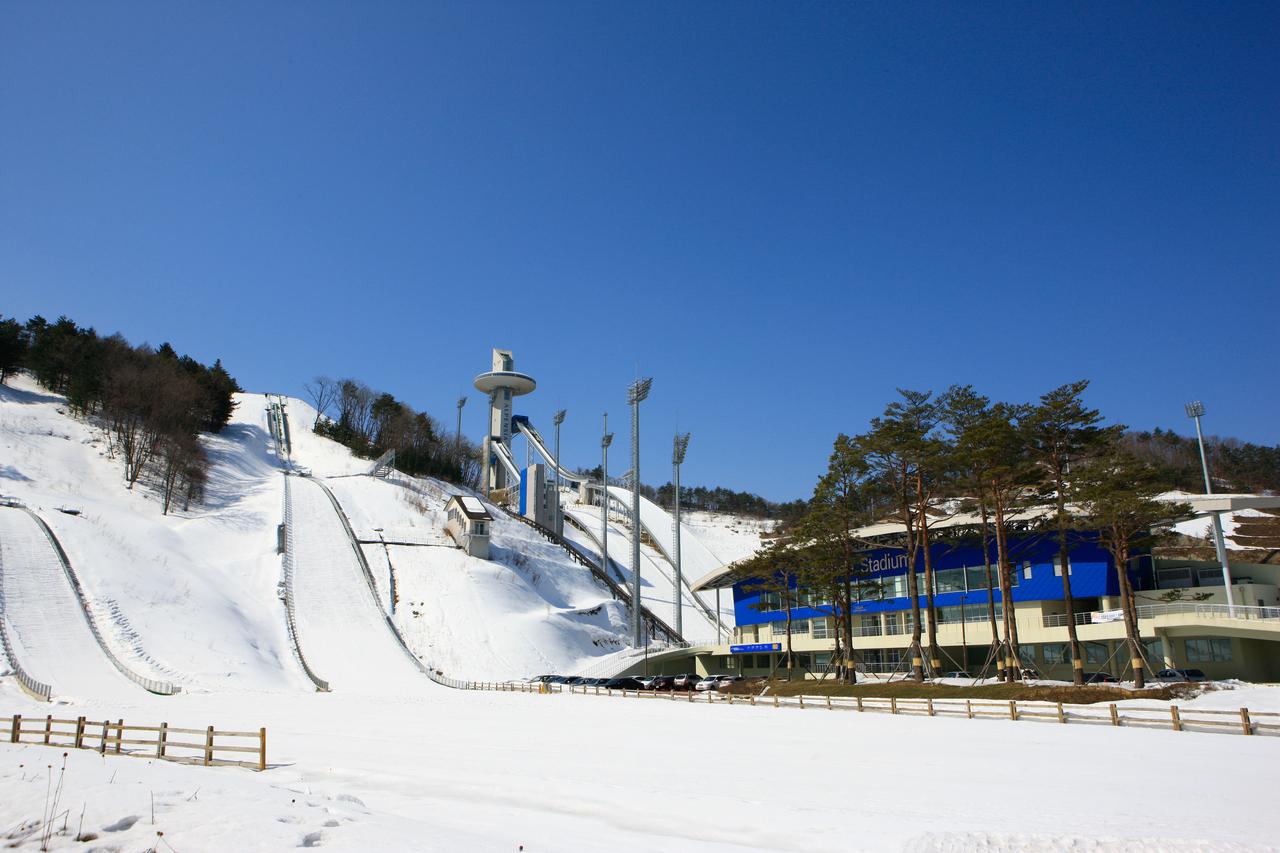 Yongpyong Ski Resort (용평리조트 스키장) | Official Korea Tourism