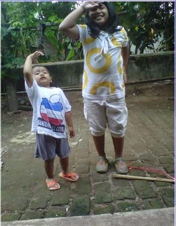 +Gambar foto gaya anak kecil berjoget goyang oplosan lucu