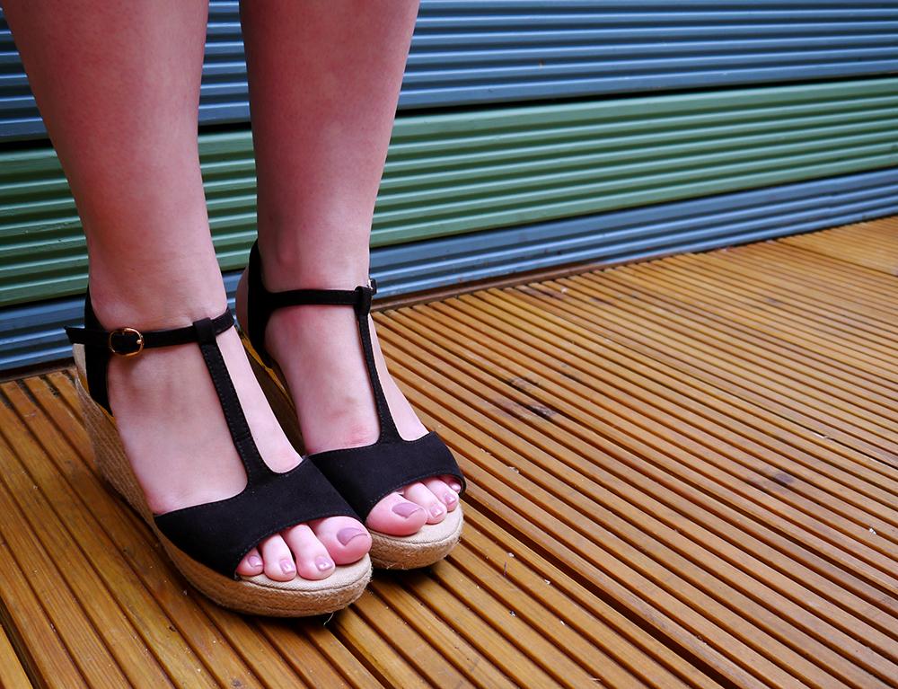Tara Starlet, Daniel Footwear, review, tips, vintage style, retro style, Scotstreetstyle, Metropolitan Fashion Show