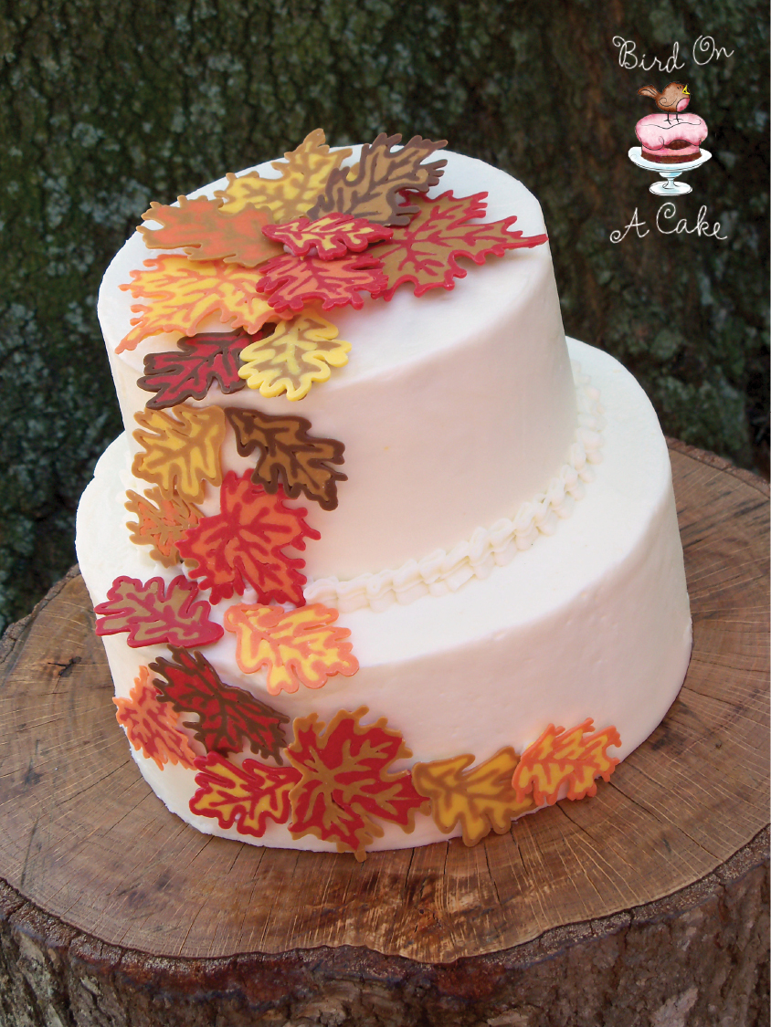 Bird on a cake autumn leaves cake for Autumn cake decoration