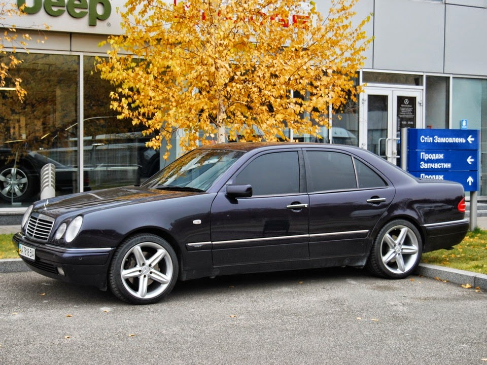 mercedes benz e420 w210 on r18 amg wheels benztuning. Black Bedroom Furniture Sets. Home Design Ideas