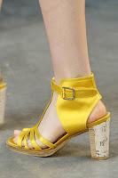 Летни боти сандали от сатен с дървен ток на Thakoon пролет-лято 2013