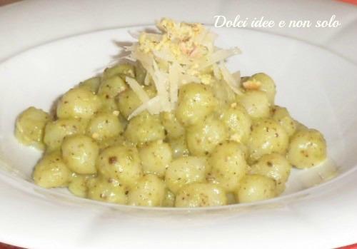 pepite di patate con pesto di pistacchi di bronte