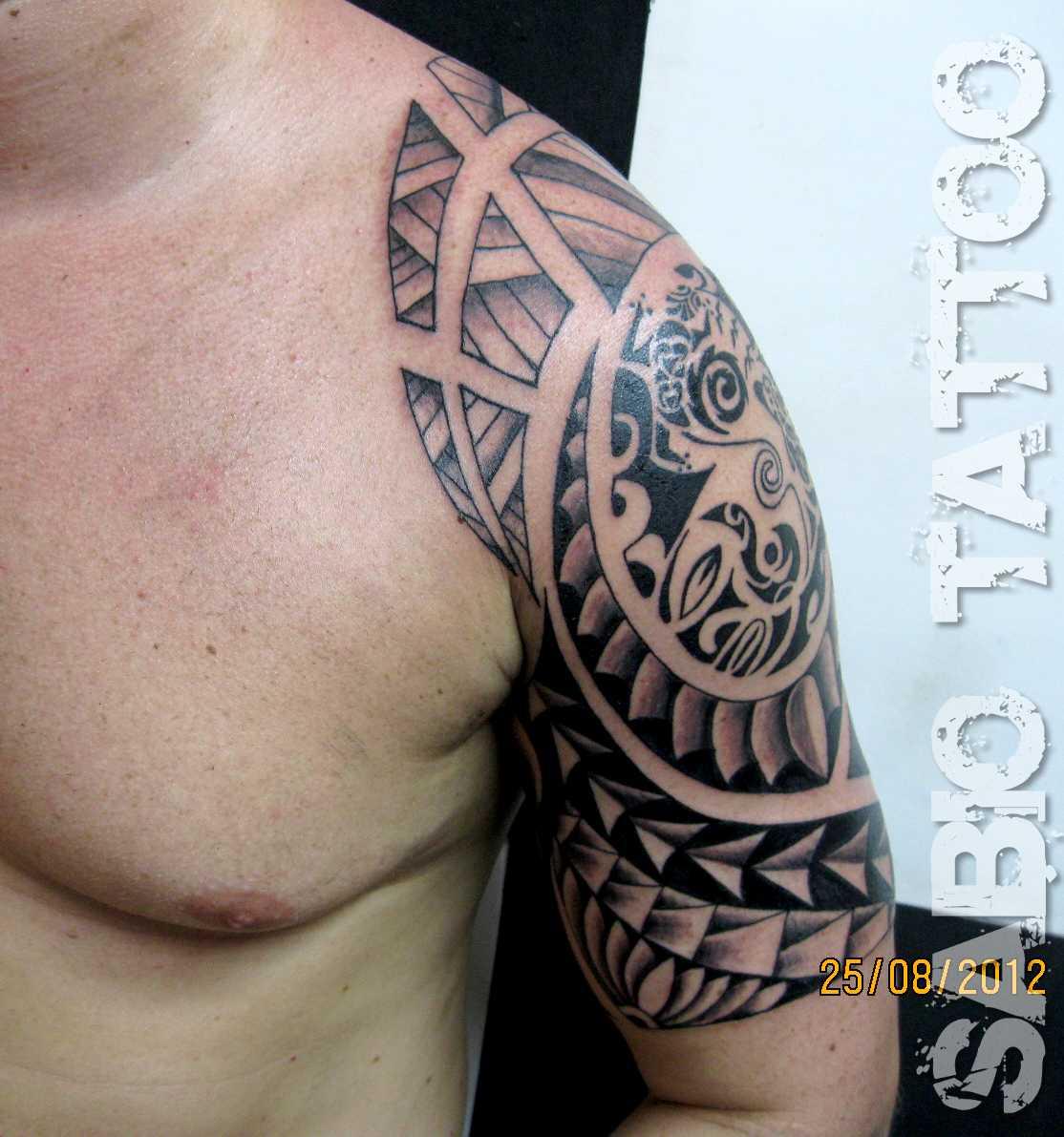 tatuagem maori braço fechado