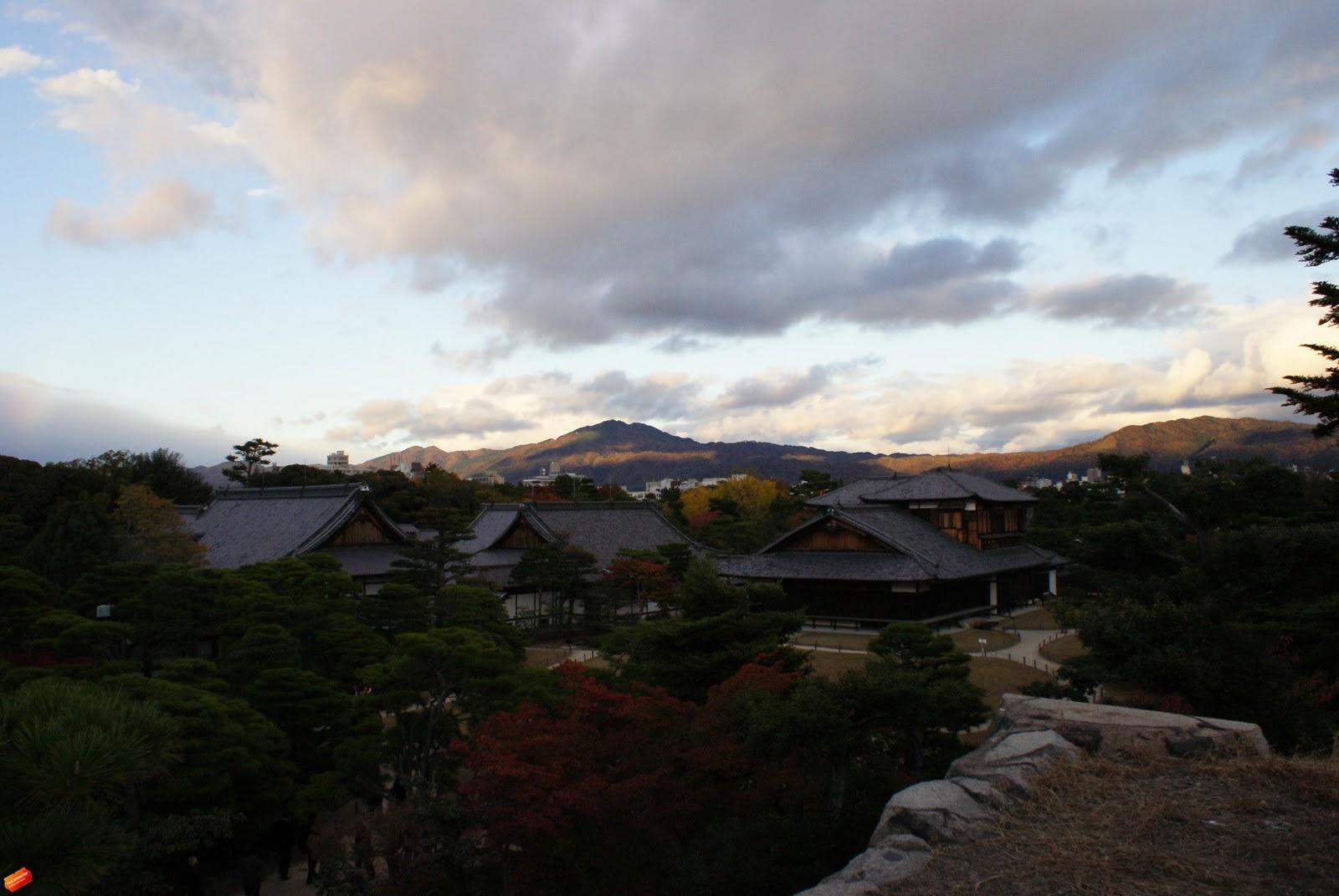 [Resim: Kyoto+%25C4%25B0mparatorluk+Saray%25C4%25B12.jpg]