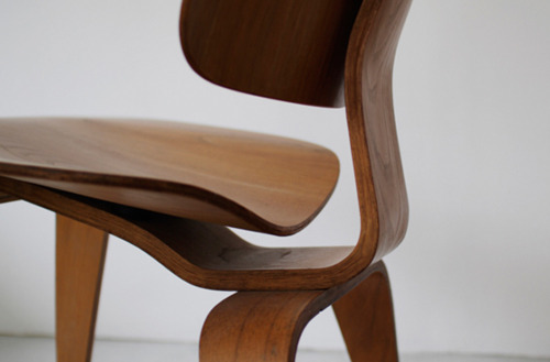 Eames-Plywood-Chair.jpg