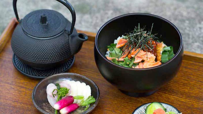 salmon and rice with green tea and pickled vegetables (salmon ochazuke with asazuke) recipe