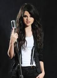 Selena Gomez =D