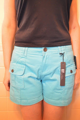Teal Kut from the Kloth Elliot Cargo Pocket Shorts