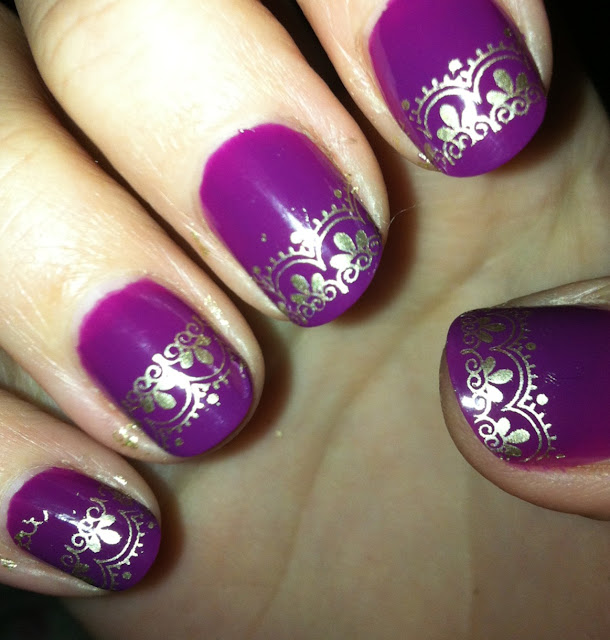 Purple Nail Art with Antique Design