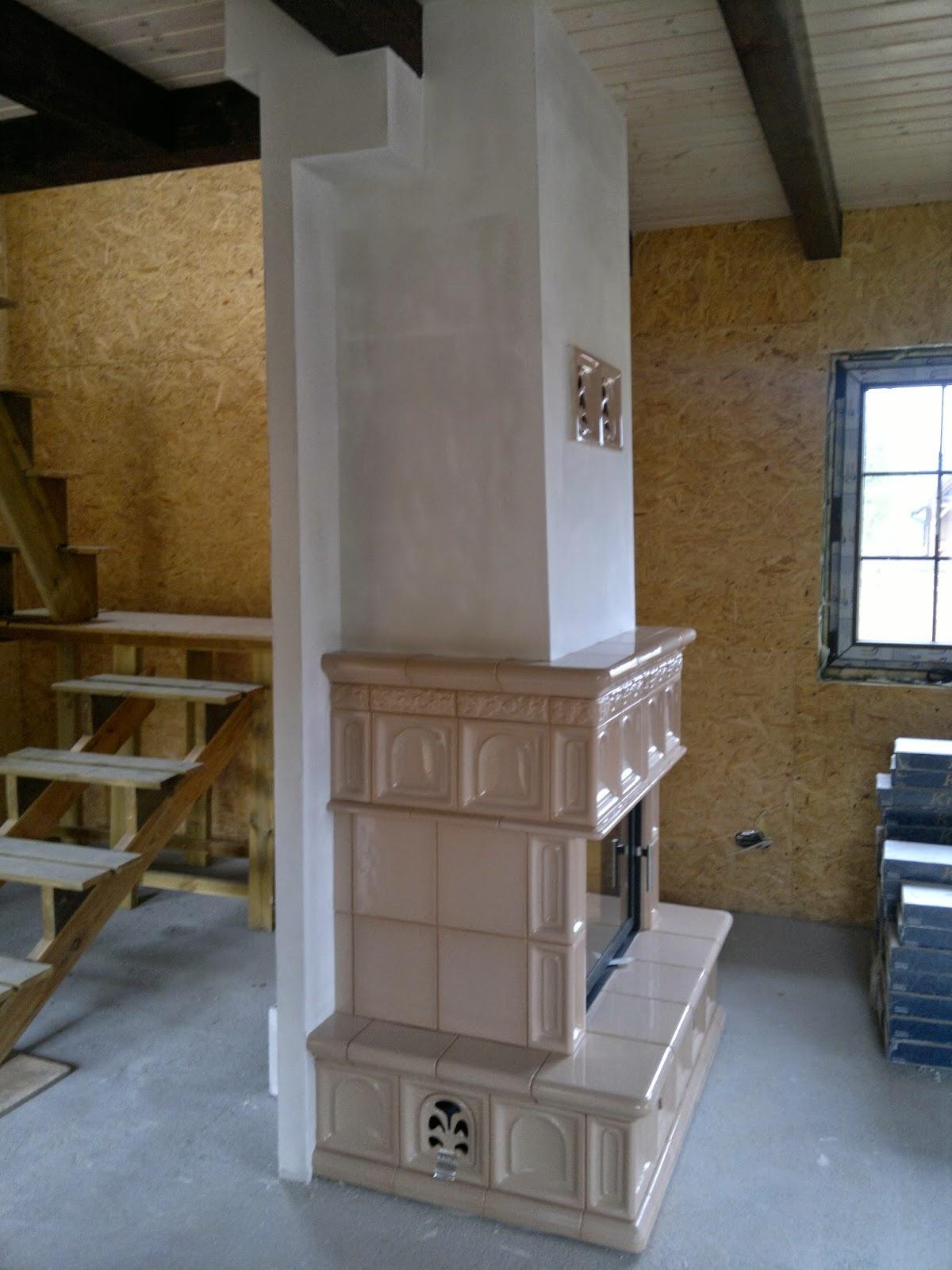 realizacje kominkowe, pomysł na kominek, kominek w drewnianym domku